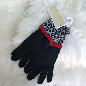 🦋 Michael Kors knitted glove